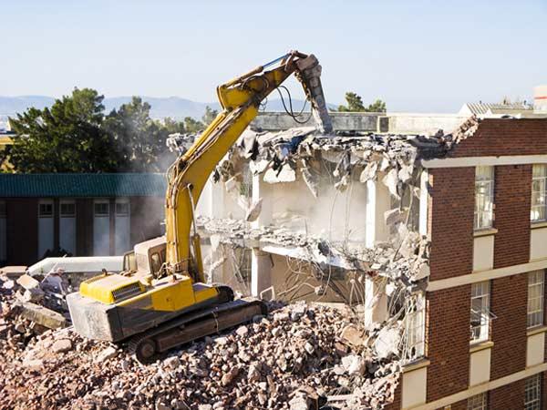 Impresa-per-demolizioni-controllate-speciali-edifici-Sassuolo