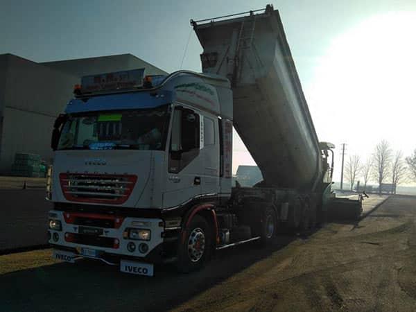camion-con-rimorchio